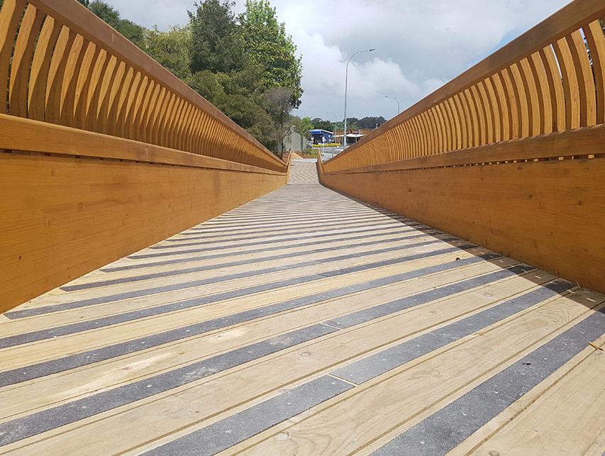 Matakana Footbridge | Edifice